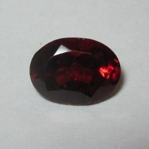 Batu Mulia Natural Pyrope Garnet 1.67 carat Oval Cut