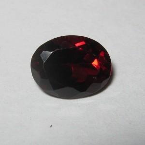 Batu Permata Garnet Pyrope Oval Cut 1.70 carat