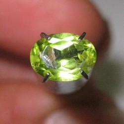 Peridot Oval 1.10 carat
