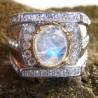 Cincin Moonstone Kontemporer Ring 9US