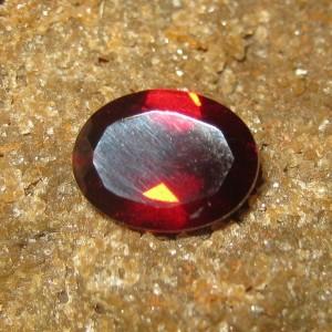 Batu Permata Natural Garnet Pyrope 1.41 carat Oval Cut