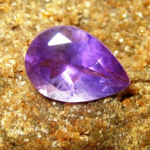 Batu Permata Amethyst Ungu Pear Shape 1.70 carat