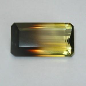 Batu Permata Quartz Bi Color 35.42 carat Segi Panjang