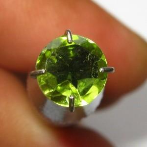 Batu Permata Round Peridot 5mm 0.80 carat Natural
