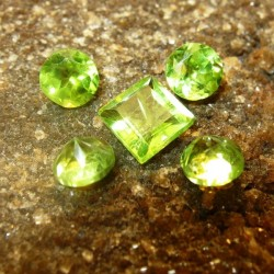 Set Peridot 5 Pcs 2.10 carat