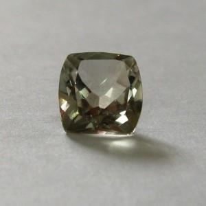 Batu Kecubung Hijau 1.4 carat hanya Rp. 122.500 pada saat promo