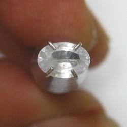 Safir Putih Terang Oval Cut 0.64 carat