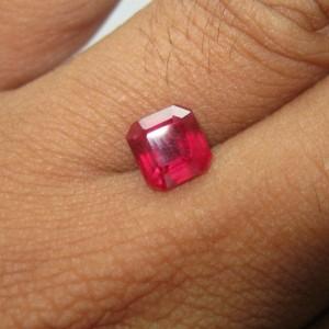 Batu Permata Ruby Merah 2.72 carat Rectangular Kotak