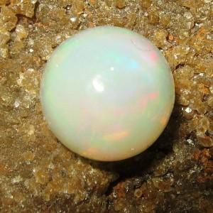 Opal Bundar Cabochon 1.20 carat
