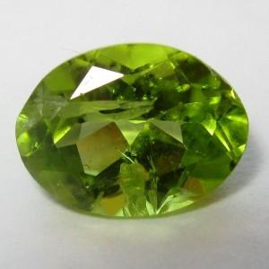 Green Peridot Oval Cut 1.35 carat
