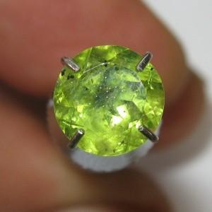 Batu Permata Peridot Greenish Round Cut 1.00 carat
