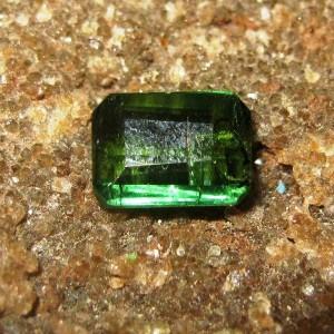 Batu Permata Turmalin Hijau Rectangular 0.55 carat