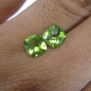 2 Pcs Cushion Peridot 7mm 3.05 carat