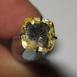 Cushion Yellow Sapphire 0.96 carat