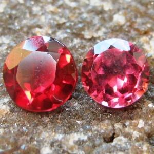 Duo Garnet Round 1.25 carat