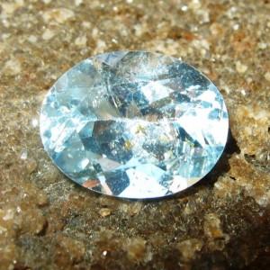 Batu Permata Natural Light Sky Topaz Oval 2.50 carat