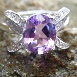 Ladies Amethyst Silver 925 Ring 8US