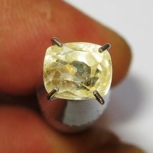 Safir Kuning Muda Cushion 1.59 carat
