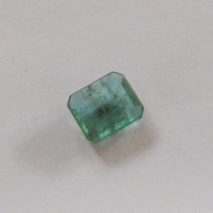 Batu Zamrud 1.64 carat Kualitas Kristal dan Luster Bagus