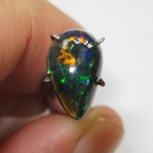 Batu Black Opal Pear Shape 1.20 carat Luster Bagus
