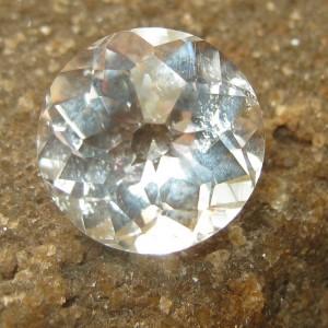 Quartz Putih Round Cut 5.84 carat