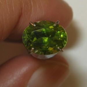 Oval Peridot Green Army 1.75 carat