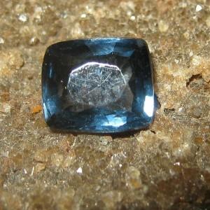 Spinel Biru Kehijauan Cushion 0.90 carat