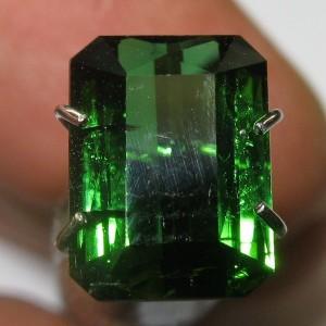 Tourmaline Hijau Tropis 2.35 carat