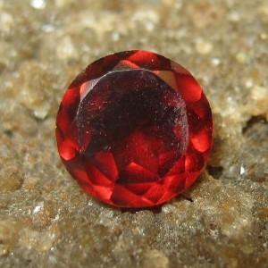 Garnet Merah Bundar 0.60 carat