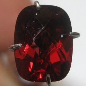 Garnet Pyrope Merah Buff Top 1.76 carat