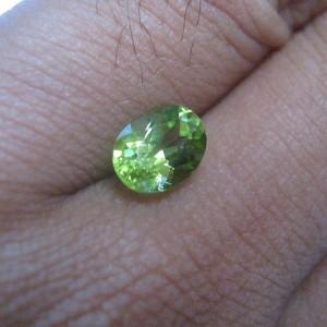 Peridot Hijau Segar 1.50 carat
