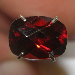 Pyrope Buff Top Garnet 1.76 carat