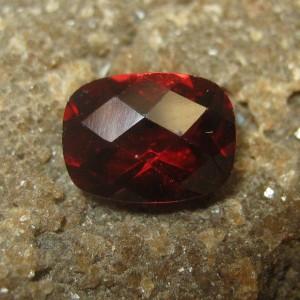 Garnet Facet Mata Merah 1.66 carat