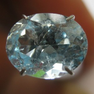 Lustrous Sk Topaz 3.30 carat
