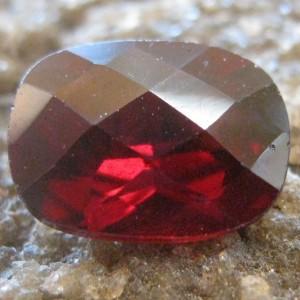 Batu Garnet Pyrope 1.43 carat