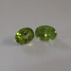 Natural Peridot Pasangan 1 carat, Jamin Asli dan Alami