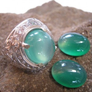 Paket Chalcedony 2Pcs Plus Ring 9US