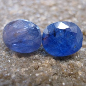 2 Pcs Safir Biru Pekat Oval 5.70 carat