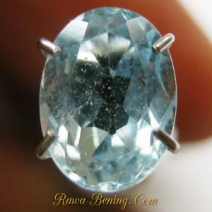 Batu Permata Topaz 1.95 carat Warna Sky Blue Oval Cut