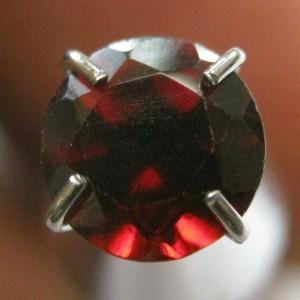 Round Cut Garnet 0.85 carat