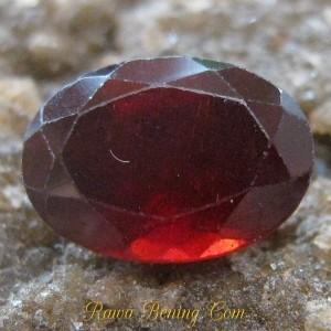 Batu Permata Oval Cut Garnet 1.20 carat Lumayan Bagus Lah..