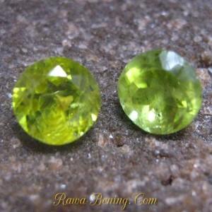 2 Pcs Round Green Peridot 2.25 carat