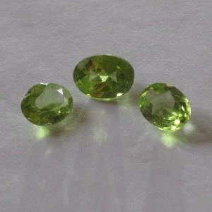 Trio Oval Peridot Natural 1.9 carat