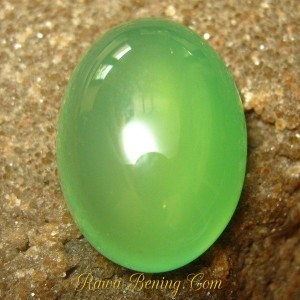 batu mulia chalcedony hijau