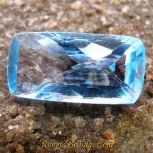 Batu Permata Ice Blue Topaz Rectangular 10 carat Kualitas VSI