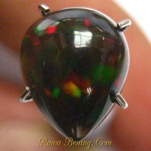 Jual Batu Mulia Black Opal Pear Cabochon 1.60 carat www. rawa-bening.com