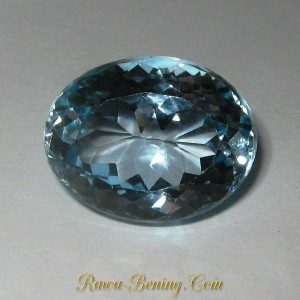 Batu Mulia Ice Blue Topaz Oval Cut 10.00 carat