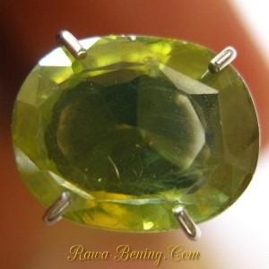 Batu Permata Zircon Oval Greenish Yellow 1.74 carat