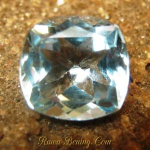 Batu Permata Natural Topaz Warna Ice Blue Bentuk Cushion Cut 5.00 carat