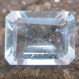 Batu Permata Natural Rectangular Light Blue Aquamarine 2.00 carat www.rawa-bening.com